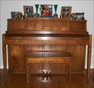 Elaine's Piano alegnasoap_com