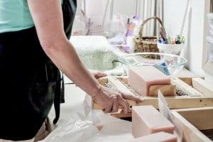Alegna Soap® cutting soap